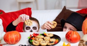 Halloween Jack-o-lantern cookies